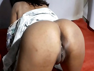 Indian desi Aishwarya bhabhi's thirsty pussy