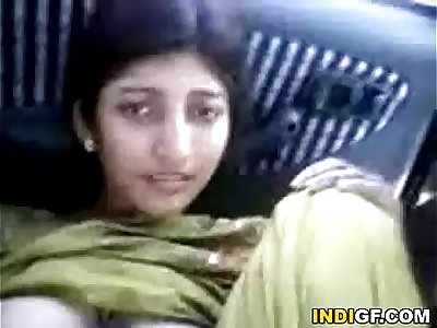 Indian Girl Shows Her Hairy Pussy For A Free Ride